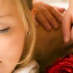 Wellness Massage mit Rosenöl